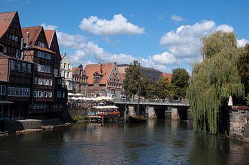 stadsgezicht luneburg oude haven met brug van Groothuizen Foto Art
