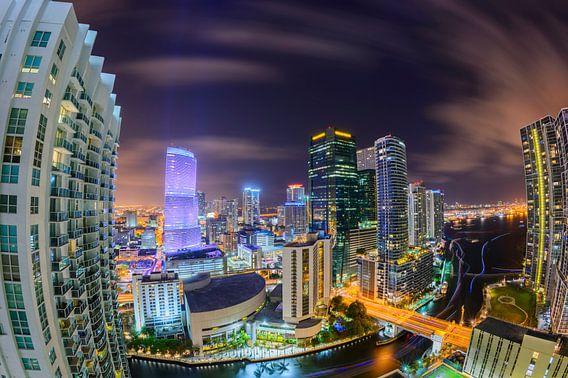 Miami Downtown Skyline in Fisheye van Mark den Hartog