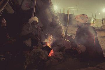 Baba's rond het vuur 's nachts van Edgar Bonnet-behar