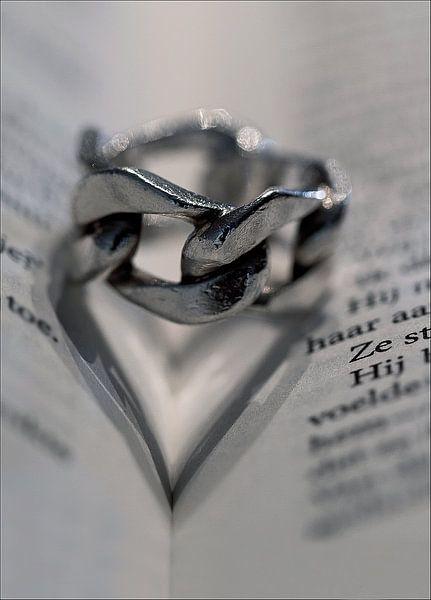 Love is ........ van Vandain Fotografie