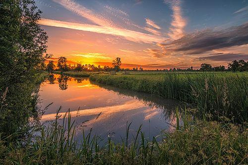 Het prachtige Friese landschap tijdens zonsopkomst