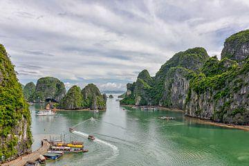 Ha Long Bucht, Vietnam von Richard van der Woude