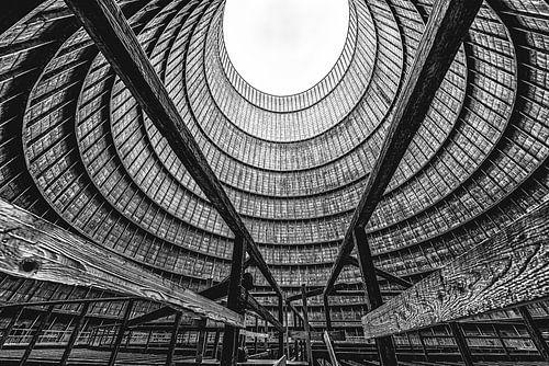 oculus verlaten koeltoren bij electriciteitscentrale