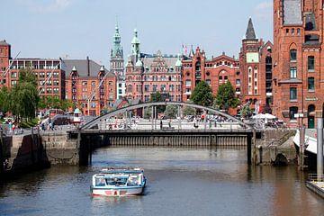 Zogenaamde Hafenrathaus, Speicherstadt, Hafencity, Hamburg, Duitsland, Europa. van Torsten Krüger