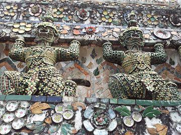 Wat Arun - Thailand von Martin van den Berg Mandy Steehouwer
