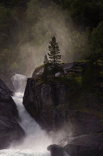 Detail of a sunlit waterfall in Norway von Kaat Zoetekouw