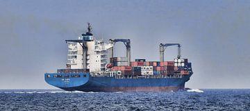 containerschip EM Corfu op de Noordzee van Ed Vroom