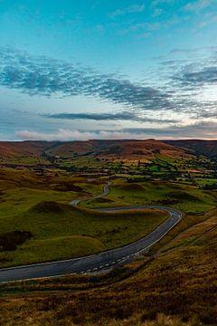 Engeland - Twisty Road, Peak Disctrict van Marco Scheurink