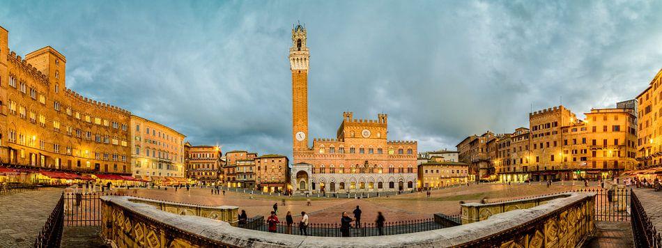 Siena - Piazza del Campo van Teun Ruijters