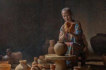 De pottenbakster van Anges van der Logt