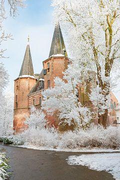 Broederpoort in Kampen in Overijssel in de winter van Sjoerd van der Wal