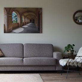 Klantfoto: Verlaten villa van Frans Nijland, op canvas