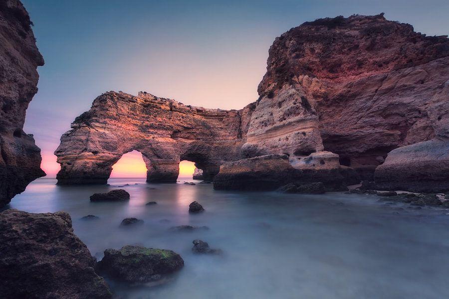 Blue hour in seconds (Praia da Marinha / Algarve / Portugal) van Dirk Wiemer
