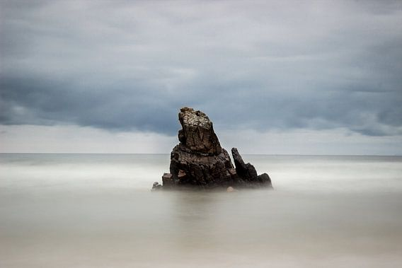 Rock in between seas II van Luis Fernando Valdés Villarreal Boullosa