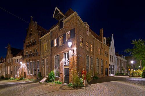 Middeleeuwse panden te Deventer in de nacht van