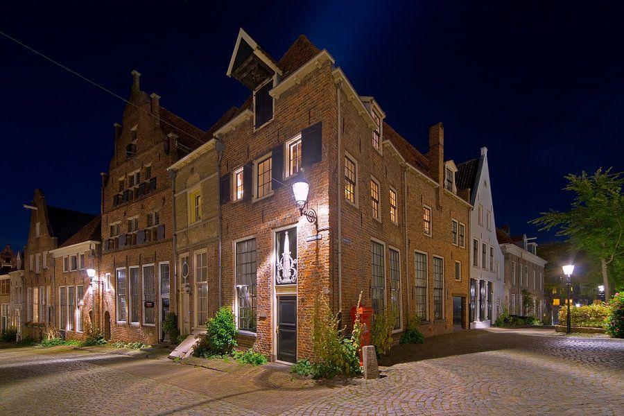Middeleeuwse panden te Deventer in de nacht