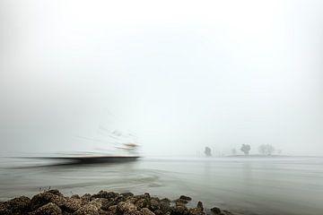 Looveer in Huissen (Arnheim) im Nebel von Eddy Westdijk