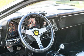 Ferrari Testarossa, l'icône italienne du tableau de bord des voitures de sport classiques. sur Sjoerd van der Wal