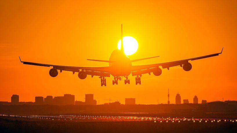 Schiphol Boeing 747 landing suncross van Bas van der Spek