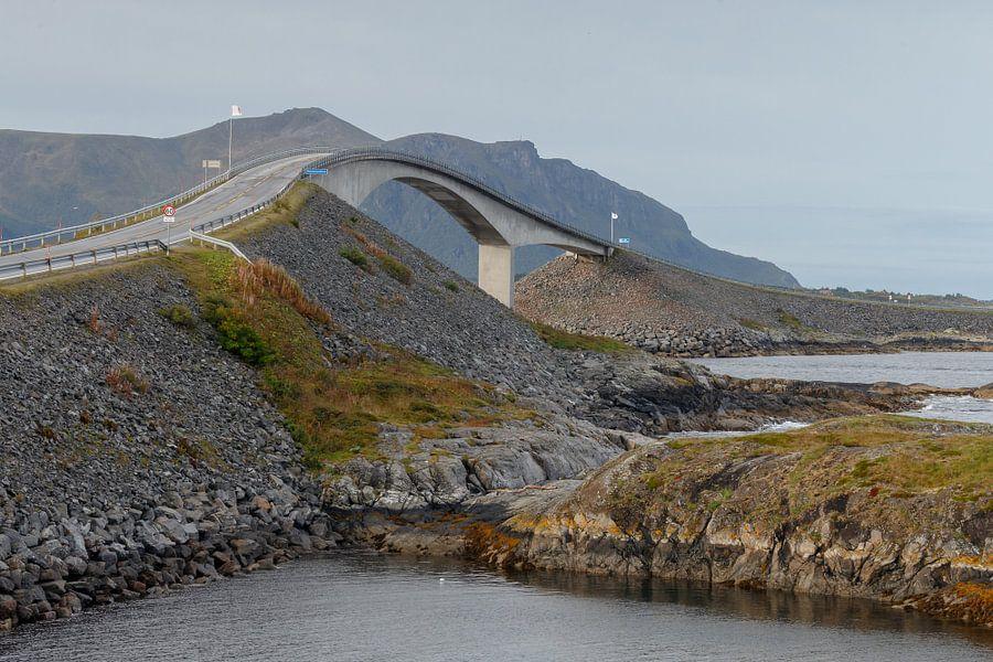 Atlantic Road Noorwegen van Menno Schaefer
