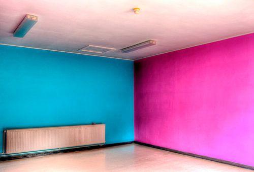 HDR Blue and pink room van
