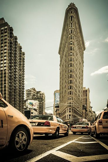 Yellow Cabs am Flatiron van Hannes Cmarits