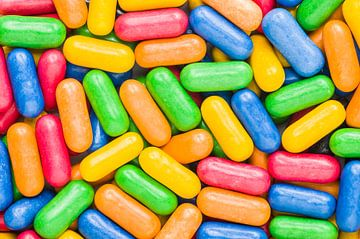Gekleurde snoepjes - macrofoto van Wijnand Loven