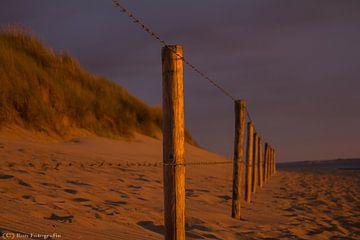 Strand Ouddorp van Ron van Zoomeren