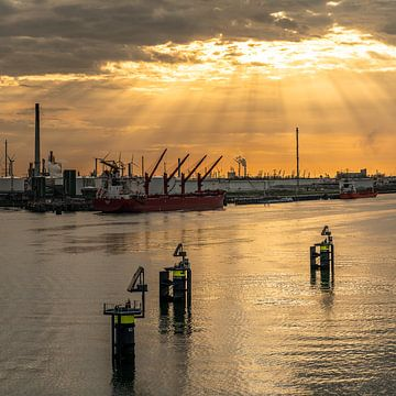 Zonsondergang Europort Rotterdam van Jeroen Kleiberg