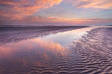 Farbenfroher Sonnenaufgang am Strand - Natural Ameland von Anja Brouwer Fotografie