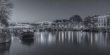 Magere Brug en de Amstel in Amsterdam in de avond - 4 sur Tux Photography