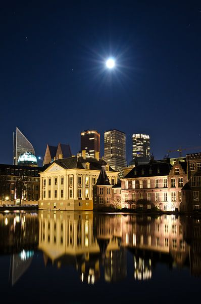 Full moon over The Hague von Remco Swiers