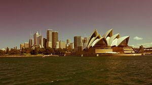 Nostalgic Sydney Opera House and CBD van Tessa Louwerens
