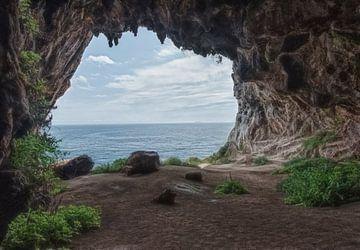 Höhle mit Meerblick von Marcel van Balken