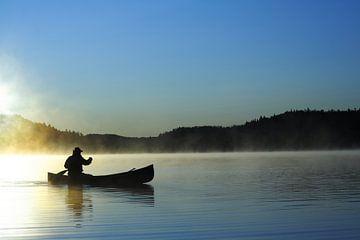 Canoter sur le lac bleu van