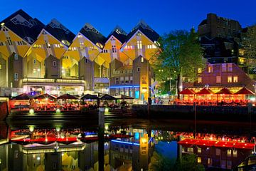 Maisons Cube dans le Vieux-Port de Rotterdam sur Anton de Zeeuw