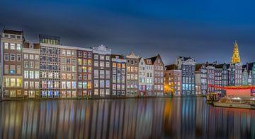 Damrak Amsterdam Nightshot van Martin Bredewold