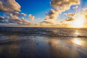 Zonsondergang aan zee van HGU Foto