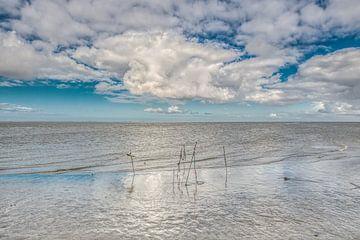 Wolken über dem Wattenmeer von Lauwersoog von Harrie Muis