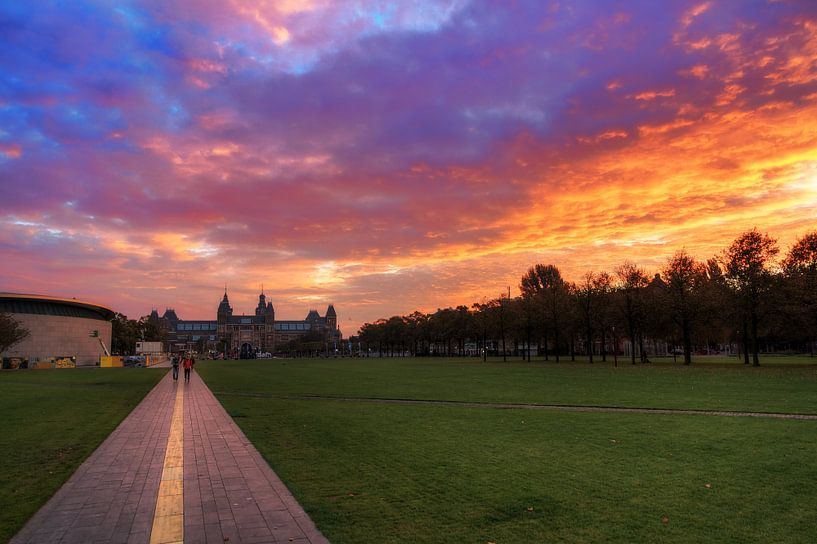 Museumplein Amsterdam zonsopkomst van Dennis van de Water