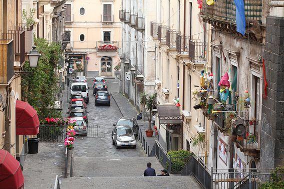 Altstadtgasse Via Alessi mit alten Hausfassaden, Blick von Oben, Altstadt, Catania, Sizilien, Italie