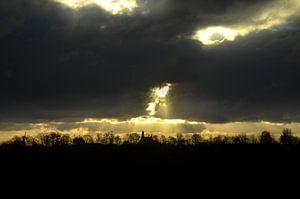 Zonnestralen boven Arnemuiden van Marcel Nauta