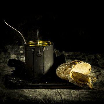 Stilleven brood en honing  van Saskia de Wal
