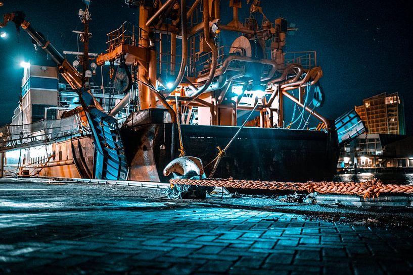 Schip in de haven van Scheveningen van MICHEL WETTSTEIN