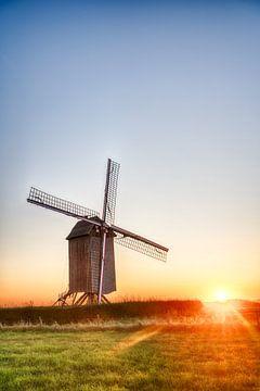 Tissenhovemolen est un moulin à vent sur Marcel Derweduwen