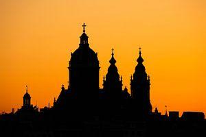 Amsterdam bij zonsondergang van