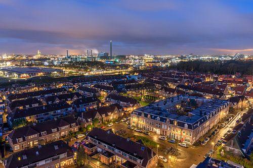 Stadsgezicht Utrecht blauwe uur ochtendschemer uitzicht watertoren Amsterdamsestraatweg