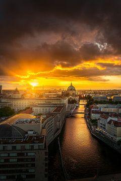 Berliner Dom Drama Sky von Iman Azizi
