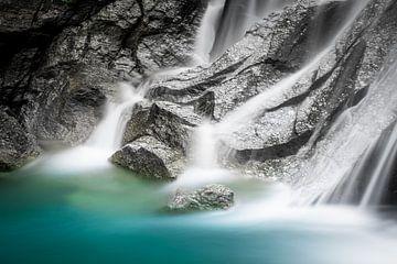Beruhigender Wasserfall von Jeroen Mikkers