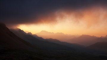 Panorama Dolomiten bei Sonnenaufgang von Frank Peters